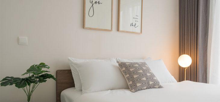 Trang trí phòng ngủ tinh tế với tranh treo tường: Trắng tinh khôi 100422